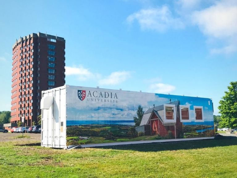 [Acadia University] Eating Local and Greener Just Became Easier