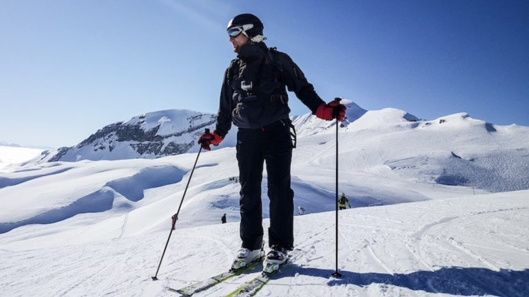 Skiing for Beginners – A Guide for Before You Head to the Slopes
