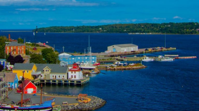 [NS] Experience the Maritime Culture at Pictou Lobster Carnival!