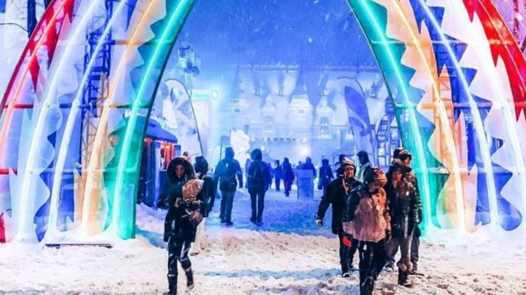 [QC] Extravagant Shows and Events of the Québec Winter Carnival