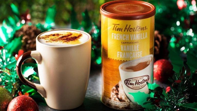 6 Tasty & Authentic Canadian Souvenirs Anyone Would Love